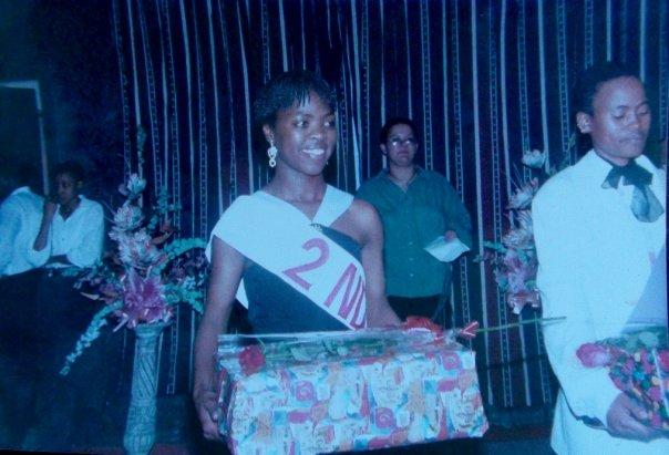 4th May 1997 @ Ms Sappho held at Club Chameleon in Orange Grove, Johannesburg. L - R: Zanele Muholi & Wewe Ngidi.  Photo by Brendelie Mitchell