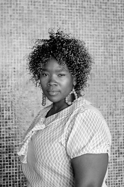 Siya mcuta, cape town station (2011). photo by zanele muholi