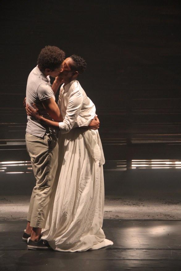 Mamela & Mojisola sharing a kiss during the performance. Photo by Zanele Muholi (28.03.2013)