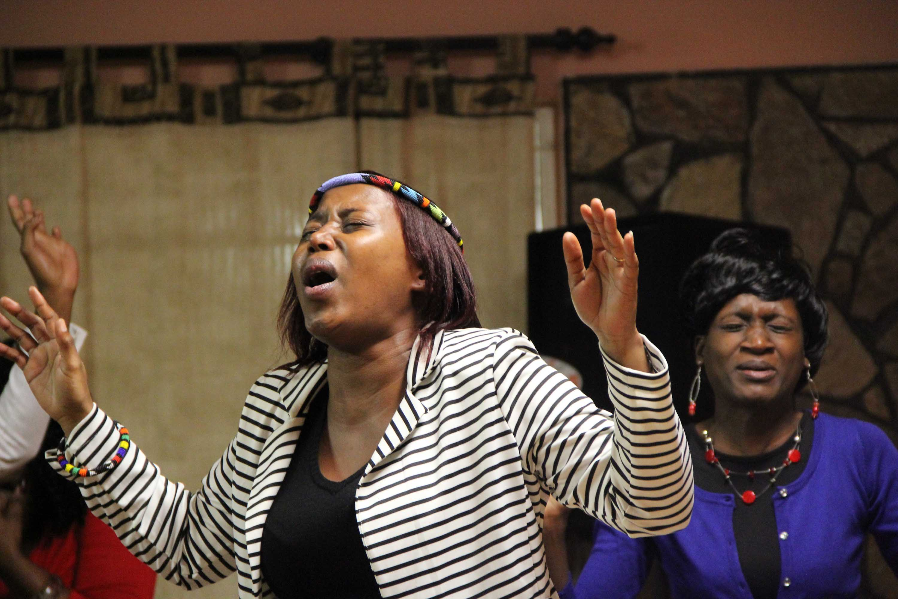 Black People Praising The Lord | www.pixshark.com - Images ...