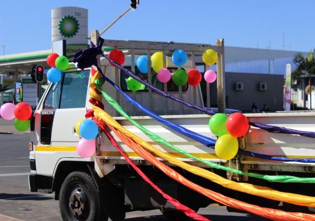 2014 May 10 Rainbow balloons_6876 sm