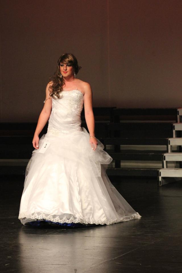 Sjarmante Diamante in her Ball Gown