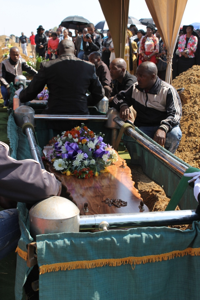 m coffin_4003