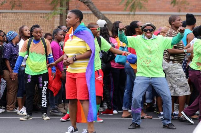queer marchers1_8372