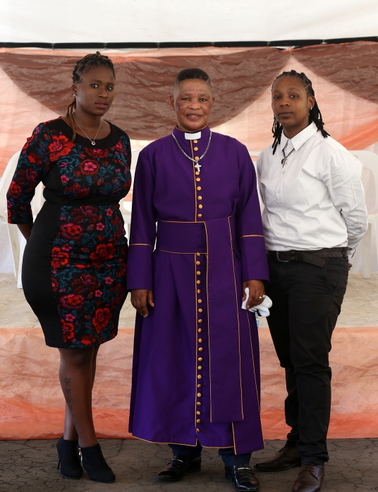 2016 March 27 Pastor Zungu wt Yanela & Lovey_7604